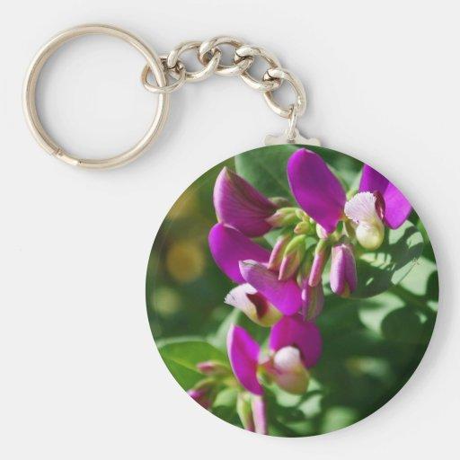 Floraciones púrpuras llavero personalizado