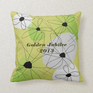 Floral artsy de la almohada de oro del jubileo