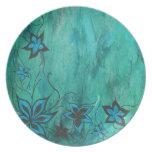 Floral azul en la neblina azul platos