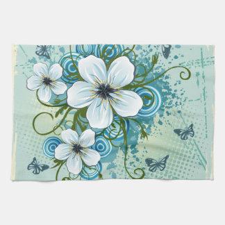 Floral azul y mariposas del verano toallas