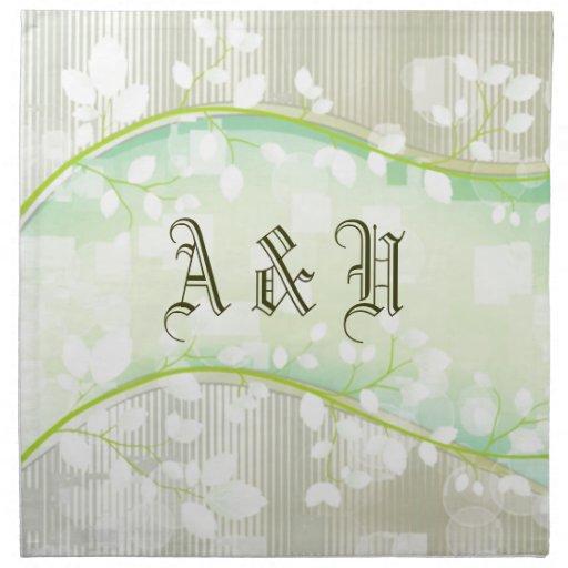 Floral blanco caprichoso con el monograma servilletas de papel