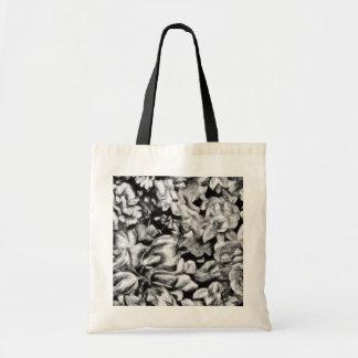 Floral blanco y negro pasado de moda bolsa