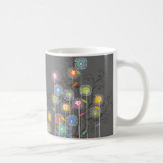 Floral colorido caprichoso del jardín de flores ma taza de café