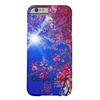 floral con el recordatorio de Carpe Diem Funda Para iPhone 6 Barely There