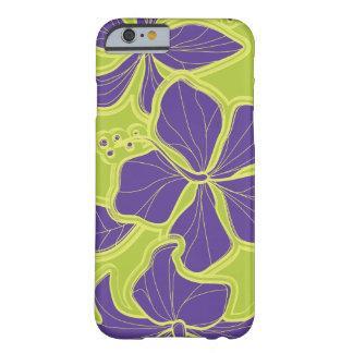 Floral de gran tamaño hawaiano del hibisco de funda para iPhone 6 barely there