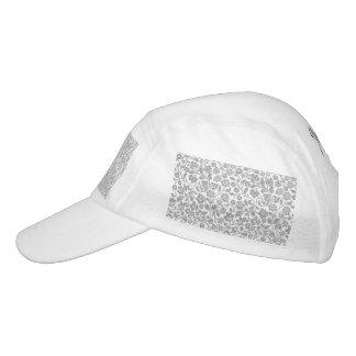 Floral de plata reluciente en blanco gorra de alto rendimiento