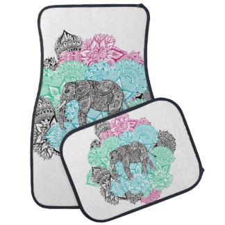 Floral en colores pastel handdrawn del elefante de alfombrilla de auto
