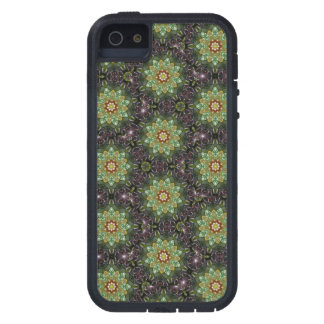 Floral Fractal Abstract Pattern in Black and Green Case For iPhone SE/5/5s