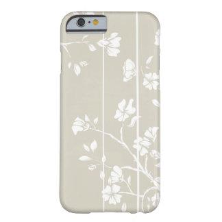 Floral gris y blanco elegante funda de iPhone 6 barely there
