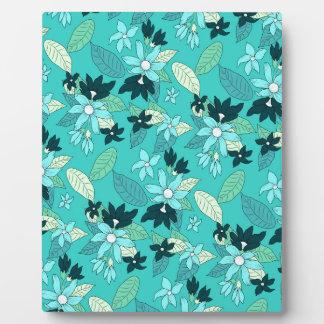 Floral line pattern plaque