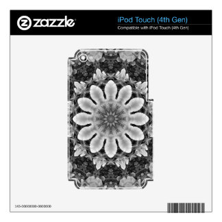 Floral mandala-style, Blossoms black, white, gray Skins For iPod Touch 4G