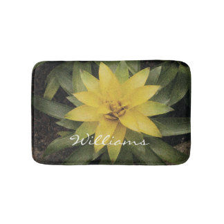 Floral non slip bath mat with pretty yellow flower
