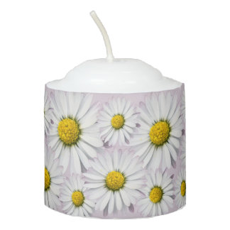 Floral pattern of white and yellow daisies votive candle