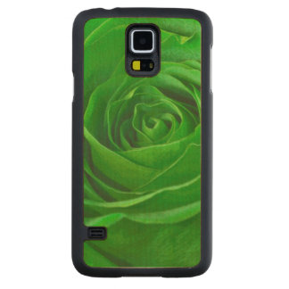 Floral Photo Vibrant Emerald Green Rose Carved® Maple Galaxy S5 Case
