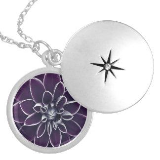 Floral púrpura hermoso medallón