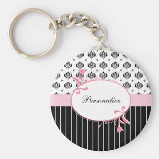Floral rosado elegante del damasco blanco y negro llavero redondo tipo pin