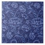 Floral y cinta en azul azulejo