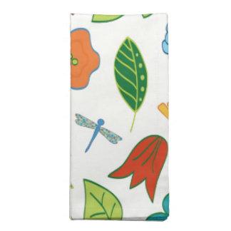 Floral y libélula modelados servilleta imprimida