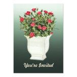 Florero blanco de rosas rojos invitación 12,7 x 17,8 cm
