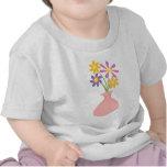 Florero bonito de flores camisetas
