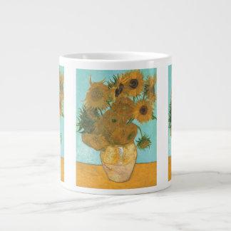 Florero con 12 girasoles por la flor del vintage taza grande