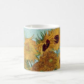 Florero con doce girasoles de Van Gogh Taza