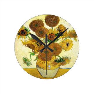 Florero con quince girasoles de Vincent van Gogh Reloj Redondo Mediano