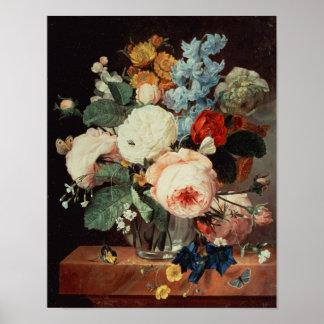 Florero de flores en una repisa de mármol póster