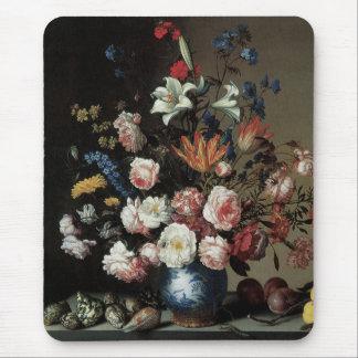 Florero de las flores por una ventana, Balthasar Mouse Pads
