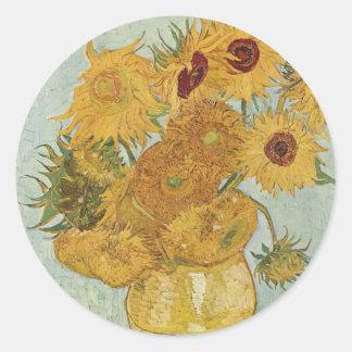 Florero de Vincent van Gogh con 12 girasoles Pegatina Redonda