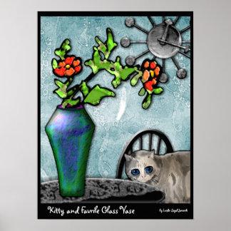 Florero del gatito y del vidrio de Favrile Póster