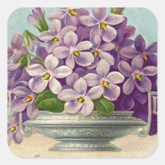 Florero del vintage de flores púrpuras calcomanias cuadradas