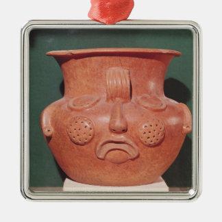 Florero globular con una cara, de Kalminaljuy Adorno Cuadrado Plateado