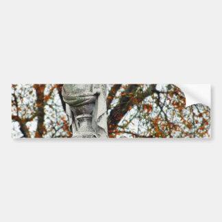Floreros de las estatuas del cementerio etiqueta de parachoque