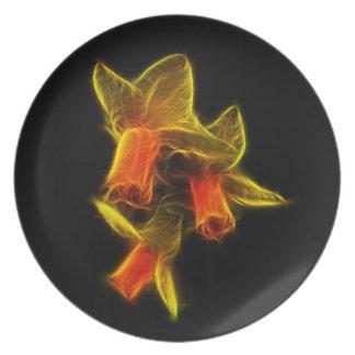 Flores abstractas del narciso plato de comida