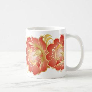 Flores abstractas grandes en rojo chino y oro taza