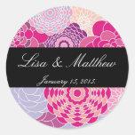 Flores abstractas modernas rosadas del diseño etiquetas redondas