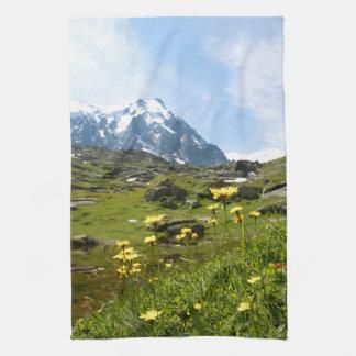 ¡Flores alpinas - hermosas! Toalla De Cocina