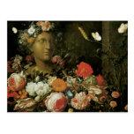 Flores alrededor de un busto clásico postal