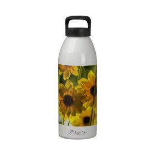 Flores amarillas botella de agua reutilizable
