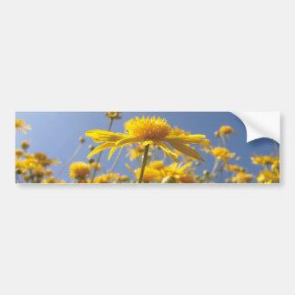 Flores amarillas alegres pegatina de parachoque