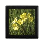 Flores amarillas caja de joyas