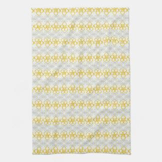 Flores amarillas con diseño gris toalla