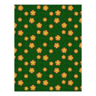 Flores amarillas en fondo verde tarjeton