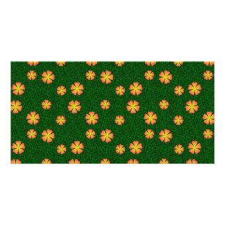 Flores amarillas en fondo verde tarjeta personal con foto