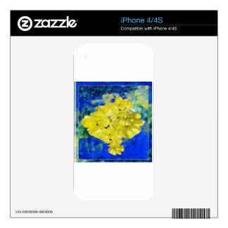 Flores amarillas en regalos azules de la laguna skins para eliPhone 4S