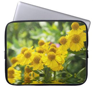 Flores amarillas funda computadora