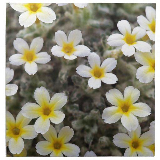 Flores amarillas minúsculas servilleta