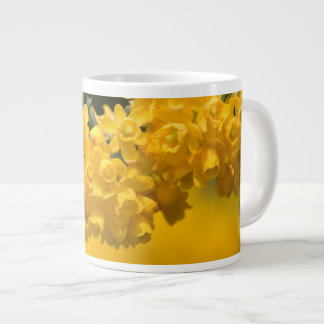 Flores amarillas minúsculas tazas extra grande
