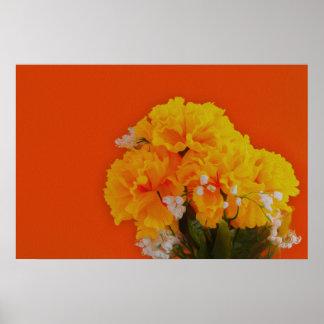 Flores amarillas pintadas en el naranja impresiones